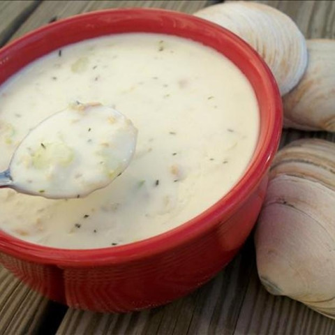 Red Lobster-Style Clam Chowder