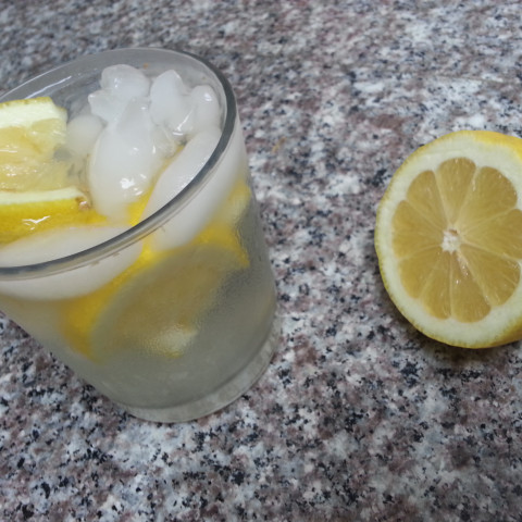 Refreshing Lemon Ginger Detox Water