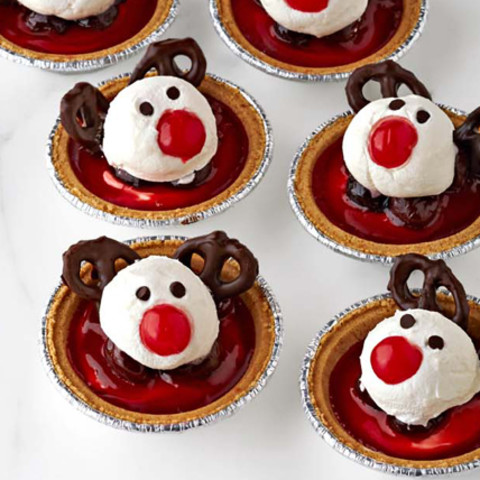 Reindeer Cherry Cheesecake Tarts