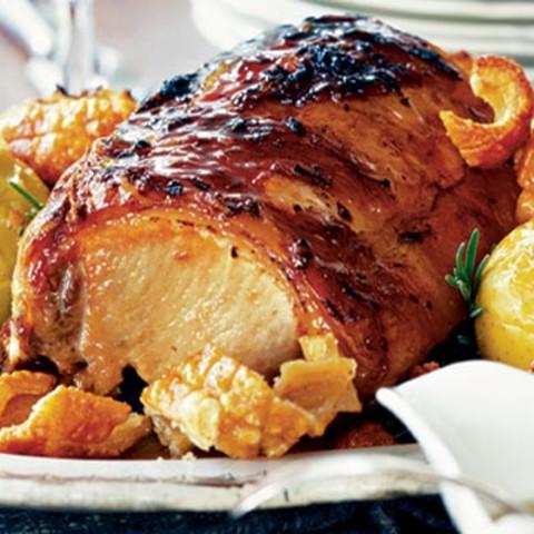 Roast pork with apples, cider vinegar and rosemary