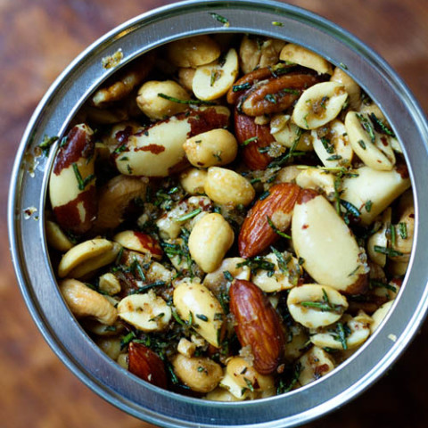 Roasted nuts in rosemary and butter