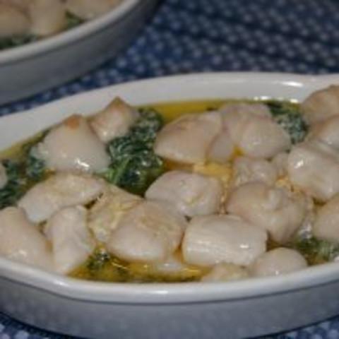 recipe: baked scallops florentine [9]