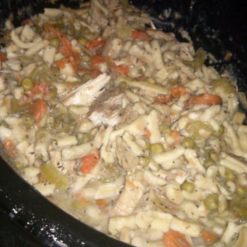 Slow Cooker Grandma's Chicken Noodle Soup