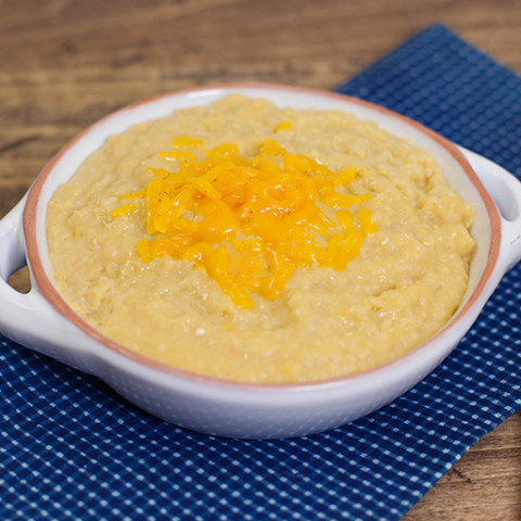 Slow Cooker Cheesy Grits