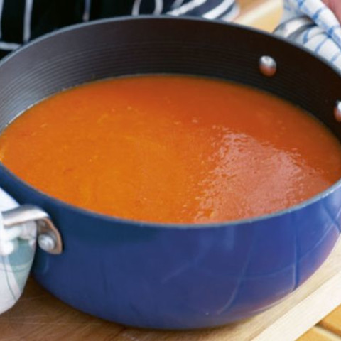 Soup maker tomato soup