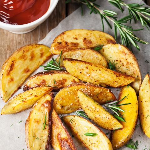 Spicy Baked Potato Wedges (Vegan)
