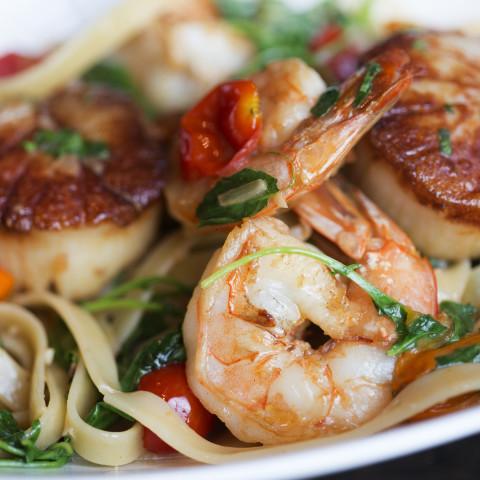 Spicy Shrimp & Scallop Alfredo