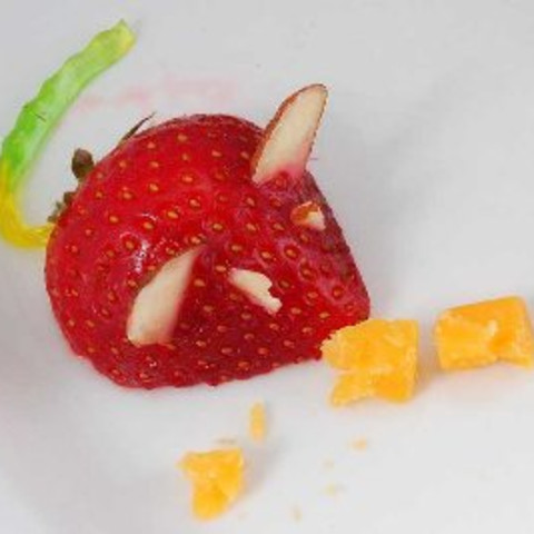 Strawberry Mice (Decoration)