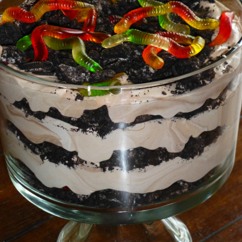 Dirt Cake With Chocolate Pudding And Oreos