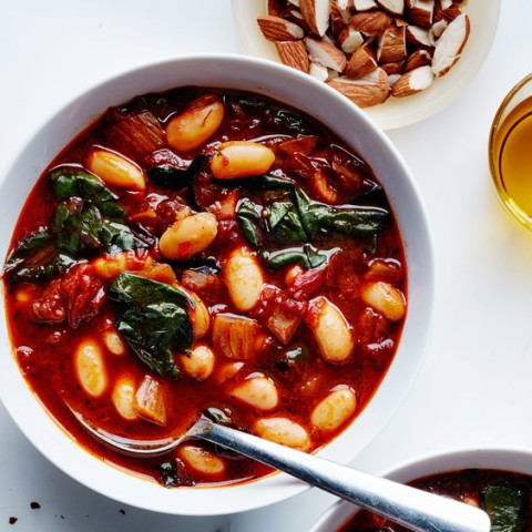 Tomato and Cannellini Bean Soup