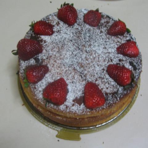 Triple/dual-decked Strawberry sponge cake