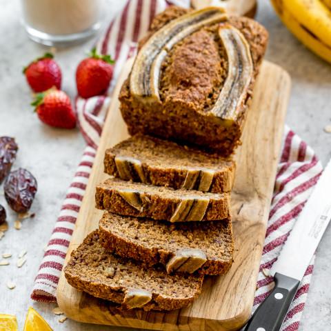 Vegan Date-Sweetened Banana Bread (gluten, oil- and refined sugar-free)