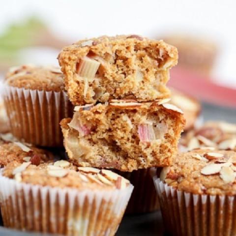 Vegan Rhubarb Muffins