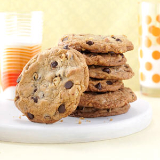 Big Buttery Chocolate Chip Cookies