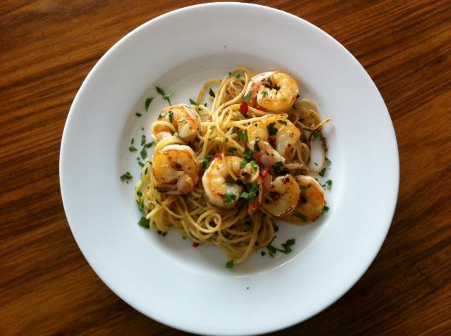Garlic and chilli prawns pasta recipe