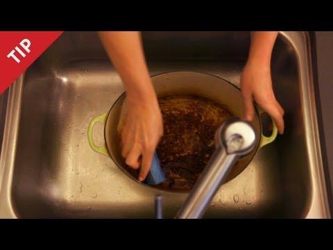 How to clean burnt enamel pots