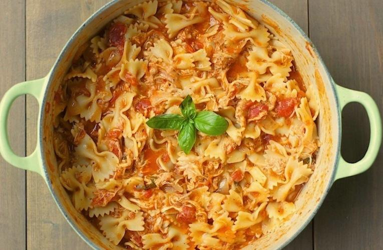 One-Pot Tomato, Basil, + Chicken Pasta