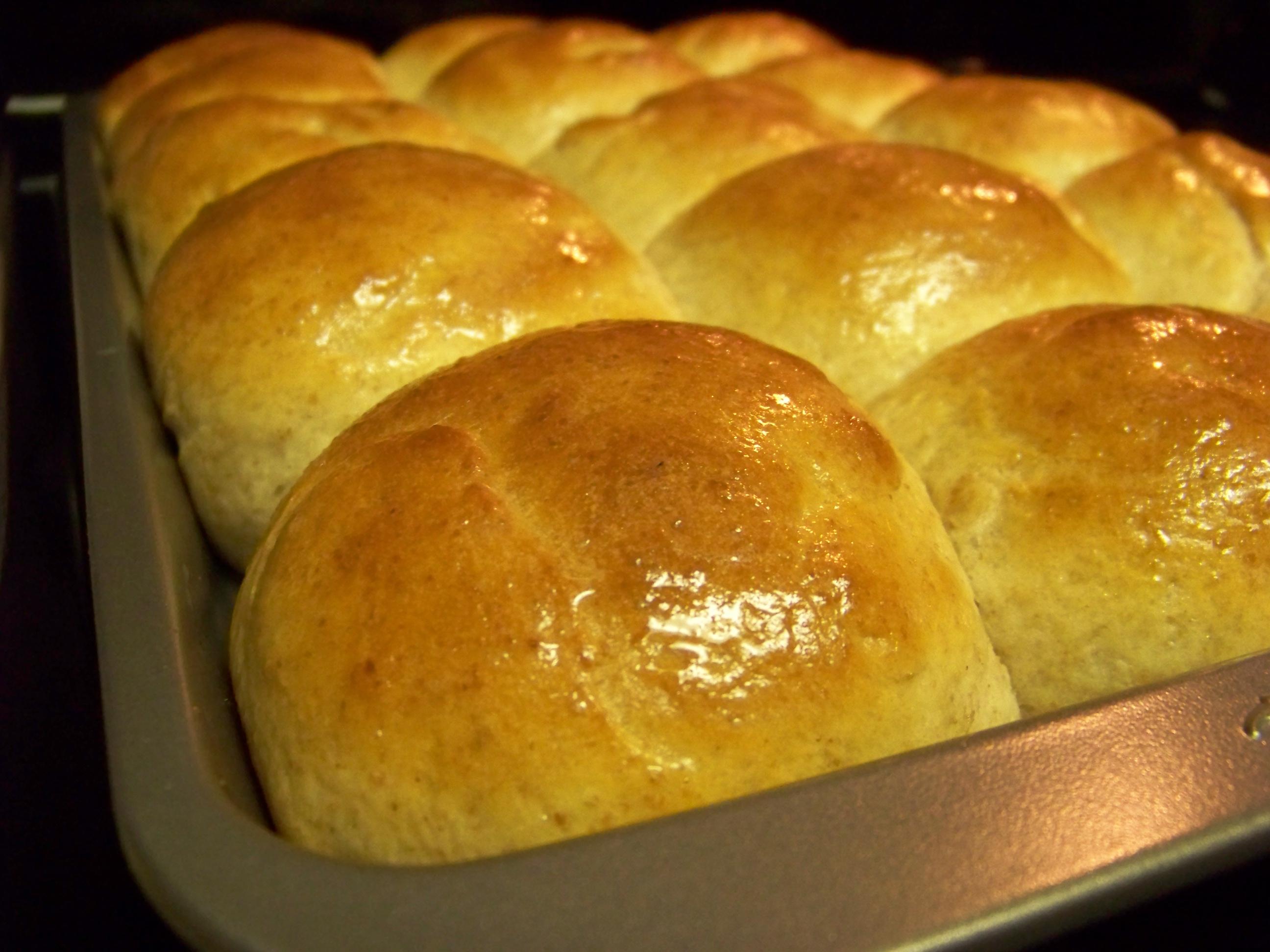 perfectly easy dinner rolls 3 jpg