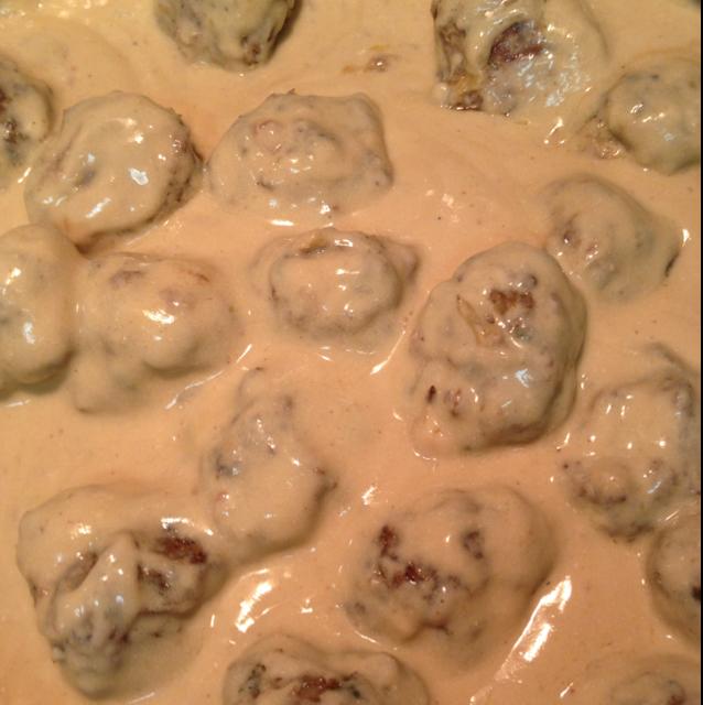 Swedish Meatballs In Sour Cream Sauce