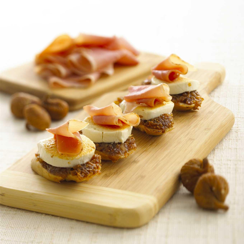 Goat Cheese, Fig and Prosciutto Crostini - BigOven