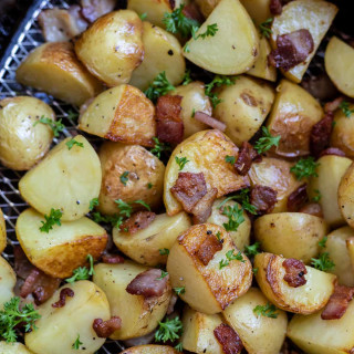 AIR FRYER ROASTED POTATOES and BACON + Tasty Air Fryer Recipes