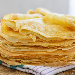 Airy thin pancakes with milk