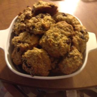 Amazing Gluten free soft oatmeal raisin cookies