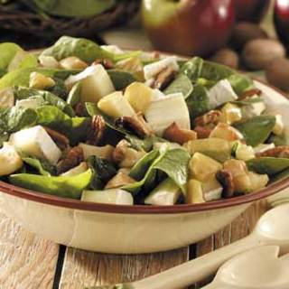 Apple-Brie Spinach Salad Recipe