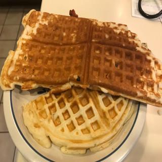 Bee's waffles