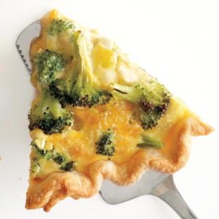 Broccoli-Cheddar Quiche