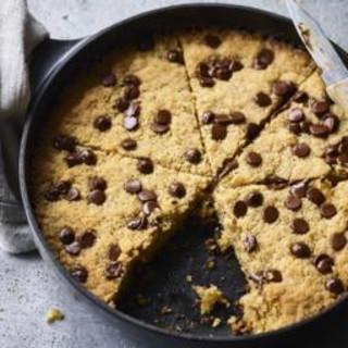 Chocolate chip pan cookie