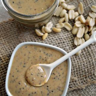 Crema de cacahuate con chía y linaza