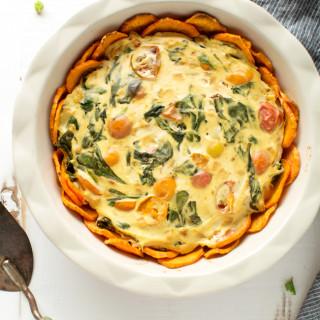 Easy vegan veggie quiche with sweet potato crust