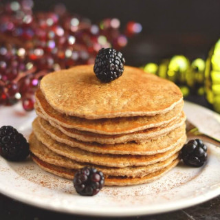 Gingerbread Protein Pancakes {GF, Low Cal}