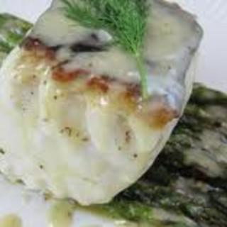 Halibut Supreme w/cheese dill sauce