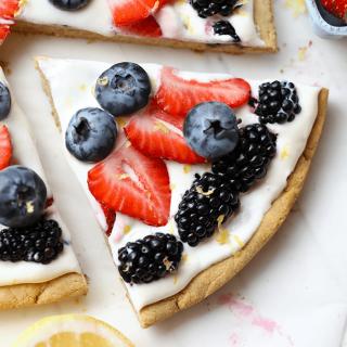 Healthy Fruit Pizza (gluten free!)