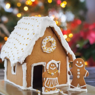How to make a Gluten Free Gingerbread House (template included)