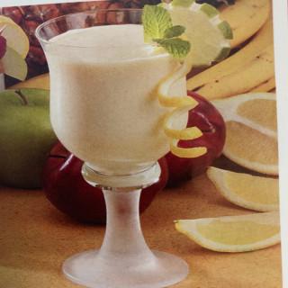 Lemon pineapple smoothie
