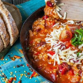 Low Carb Slow Cooker Pepperoni Pizza Chili