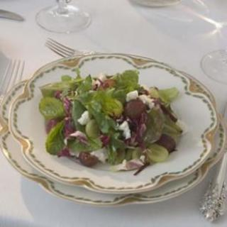 Mixed Greens with Grapes  and  Feta