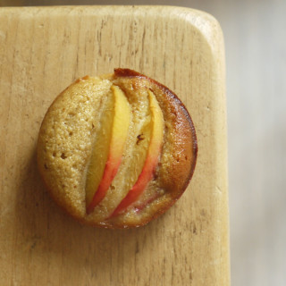 Peach and Almond Bun Cakes