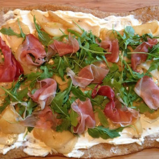 Pear and Goat Cheese Flatbread Pizza