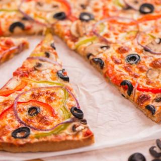 Pizza (Gluten-free Oat Crust)