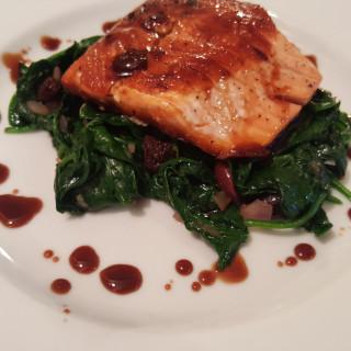 Salmon w/Spinach, Raisin, Olives and Balsamic Glaze