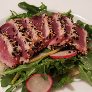 Seared Tuna Salad with Pear and Radish