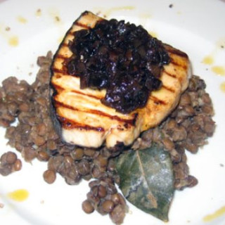 Seared Tuna with Onion Marmelade Served On A Steaming Bed Of Green Lentils