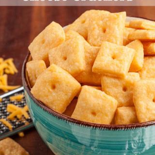 Snack Attack: 4-Ingredient Cheese Crackers, etc.