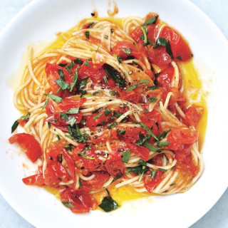 Spaghetti with Tomatoes and Anchovy Butter