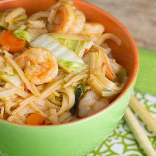 Spicy Rice Noodle Recipe with Shrimp and Cabbage