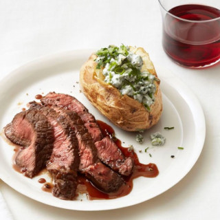 Steak With Blue Cheese Potatoes